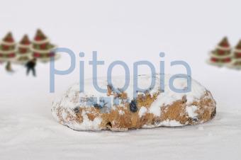 Weihnachtsgebäck Mit Rosinen.Bildagentur Pitopia Bilddetails Stollen Weihnachtsgebäck