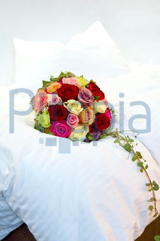 Bildagentur Pitopia Bilddetails Brautstrauss Auf Einem Bett